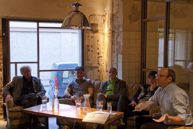 Helmut Benko, Tom Jank, Andreas Koop und Gerhild Purtscheller mit Kurt Höretzeder in Der Bäckerei